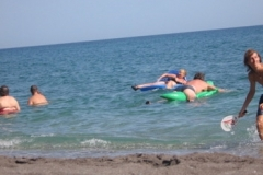 spain_man_swimming