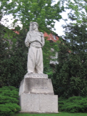 veliko-levski-statue.jpg