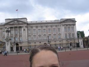 me-buckingham-palace.jpg